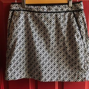 Liz Claiborne Sz 8 Skirt. Lining is Shorts